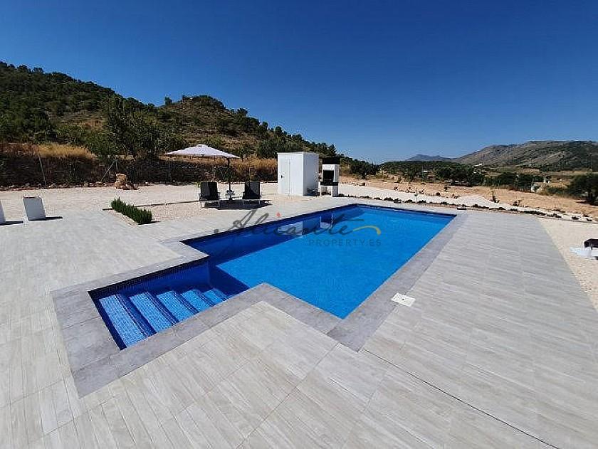 Modern new villa near Pinoso 3 bedroom villa €194995 or with pool and garage €224.995 in Alicante Property