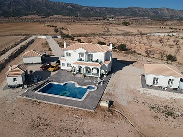 Luxury new build villa with guest house and garage