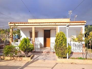 Large 5 bed, 2 bath villa in Caudete