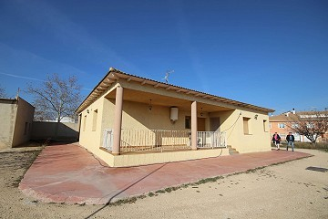 Detached Villa in town with a pool, garage and large outbuilding