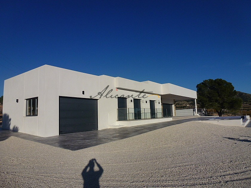 Villa for sale in La Romana, Alicante ready in a few Months  in Alicante Property