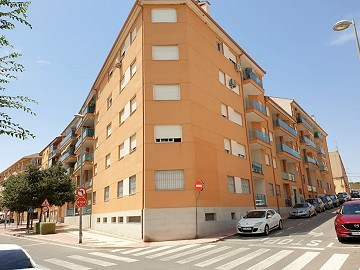1 Bed Studio Apartment in the heart of Sax with pool