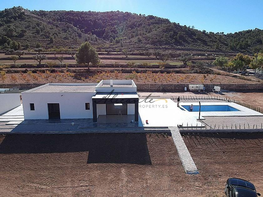 Modern new villa 3 bedroom villa with pool and garage  in Alicante Property