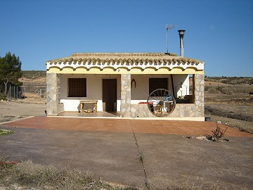 Country house in Yecla