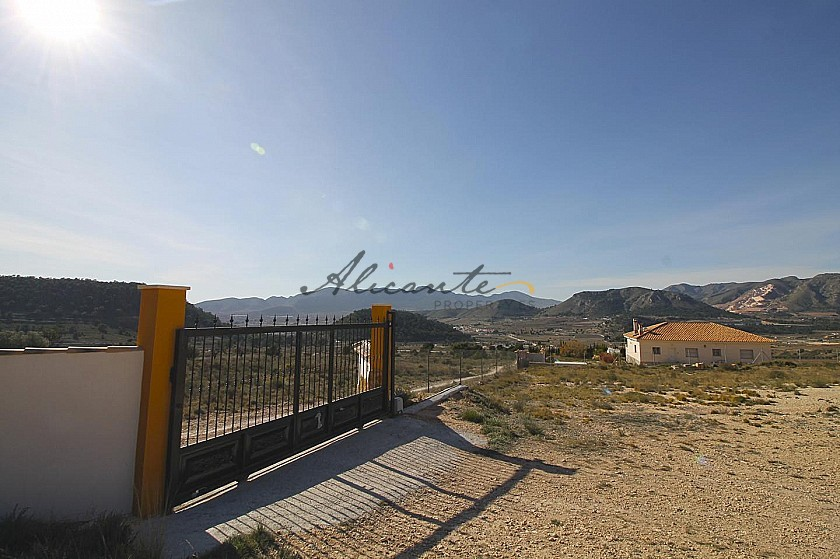3 Bed and great interior finish Villa in Alicante Property