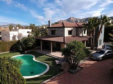 Large luxurious detached villa Loma Bada, Alicante